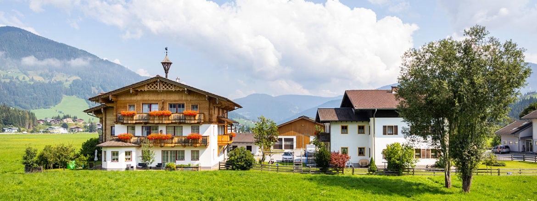 Feriengut Fingerhof in Flachau, Ferienwohnungen & Zimmer