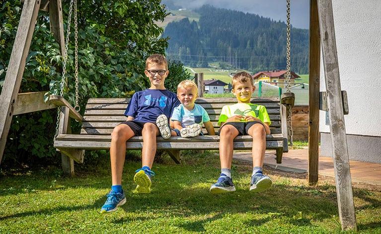 Feriengut Fingerhof, Ferienwohnungen & Zimmer in Flachau