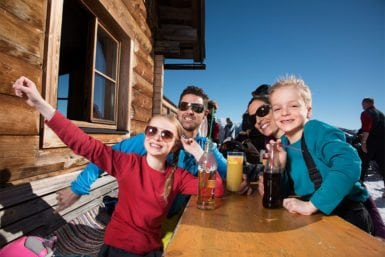 Einkehrschwung im Winterurlaub in Flachau, Salzburger Land